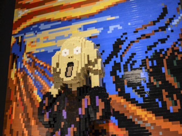 the-art-of-the-brick (1)